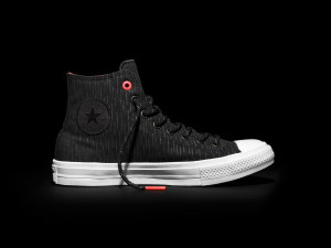 FH16_AS_ChuckII_ShieldCanvas_Black_Lateral_153532